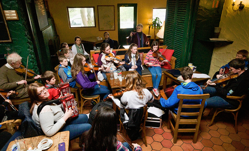 1-the-workshop-session-in-the-bards-den