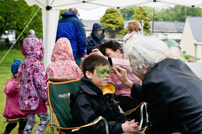 face-painting-on-the-green-letterfrack